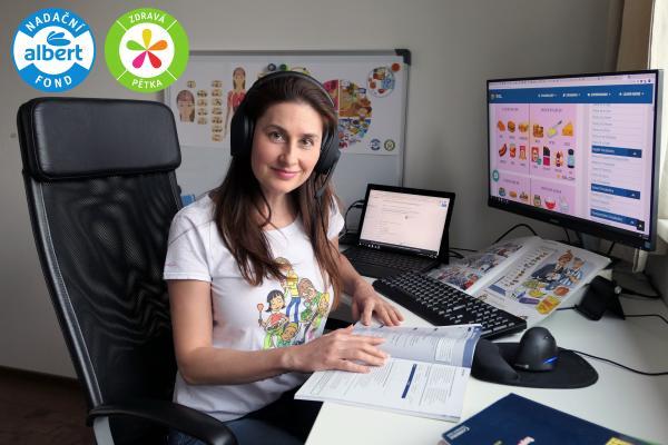Lektorky Zdravé 5 učí online děti z dětských domovů